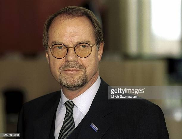 Elmar HUELSMANN deputy chairman of the board of management of the Mannesmann Arcor AG Co