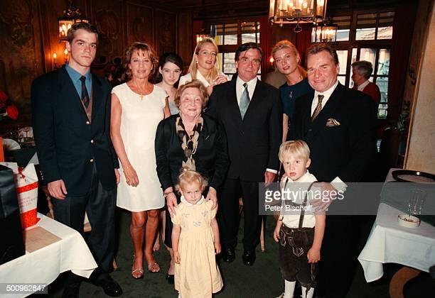 Elmar jr. Wepper, Angela Wepper, Tochter Sophie-Margarita, Wilhelmine Wepper, Valerie, Kinder Kilian, Leonie, Elmar Wepper, Stephanie von Metternich,...