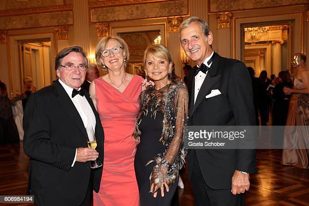 Elmar Wepper and his wife Anita Wepper Uschi Glas and her husband Dieter Hermann during the traditional Buehnendinner 2016 at Bayerische Staatsoper...