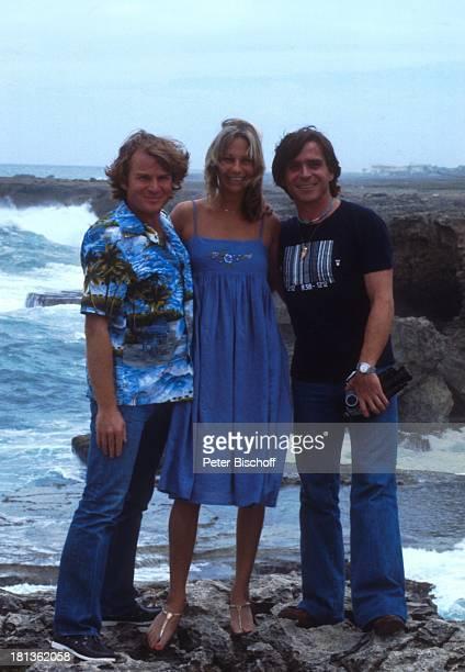 Elmar Wepper Bruder Fritz Wepper Freundin Prinzessin Angela von Hohenzollern Urlaub auf Barbados Barbados Karibik HawaiiHemd Halskette Kamera...