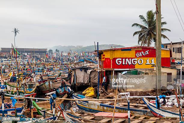 elmina harbour packed with ships - merten snijders stock-fotos und bilder