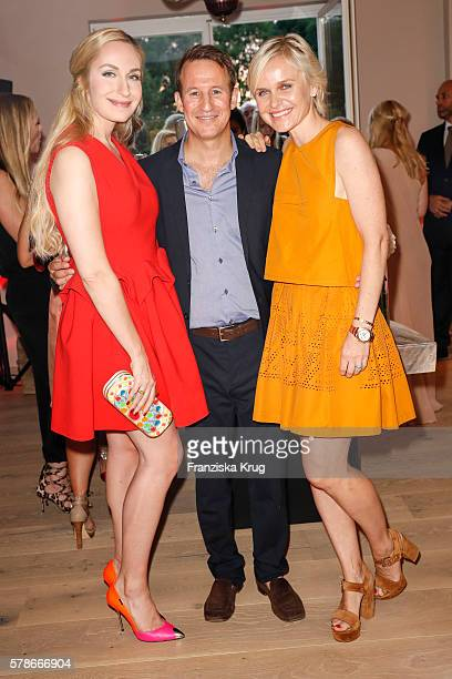 Elna zu BentheimSteinfurt Barbara Sturm and her husband Adam Waldman attend the 'Dr Barbara Sturm NetAPorter' Dinner Party on July 21 2016 in Munich...