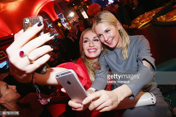 ElnaMargret Bentheim and Kelly Rutherford during the Lambertz Monday Night 2016 at Alter Wartesaal on February 1 2016 in Cologne Germany