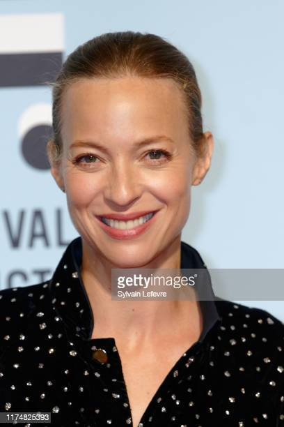 Elodie Frenck attends the photocall of the closing ceremony of the 21th Festival of TV Fiction At La Rochelle on September 14, 2019 in La Rochelle,...