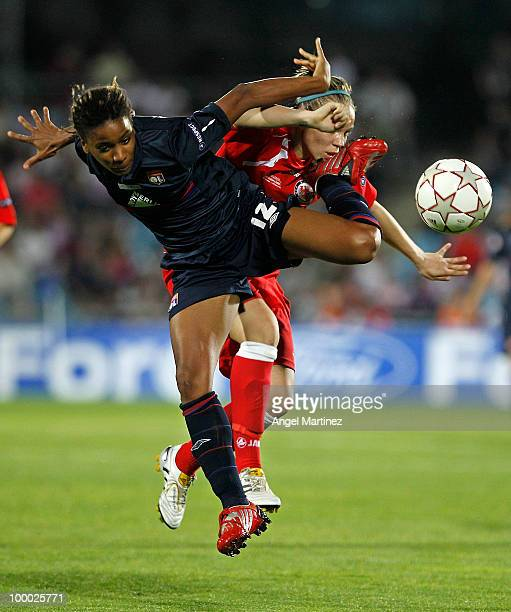 Elodie Thomis of Olympique fights for the ball with Isabell Kerschowski of FFC Turbine during the UEFA Women's Champions League Final match between...