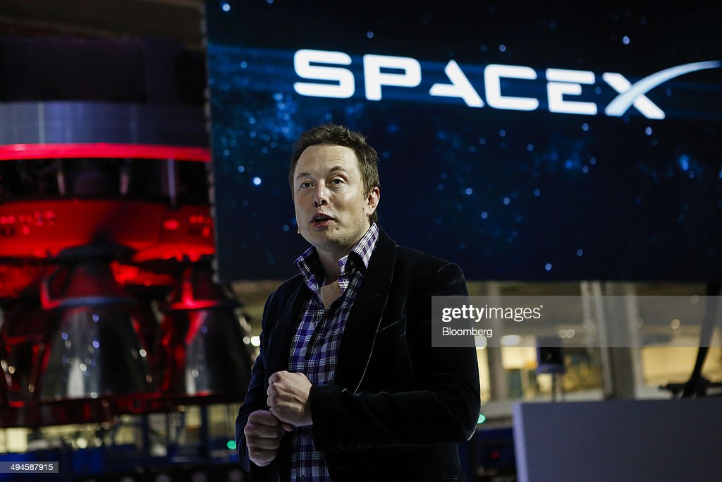 SpaceX CEO Elon Musk Unveils The Dragon V2 Space Taxi : News Photo