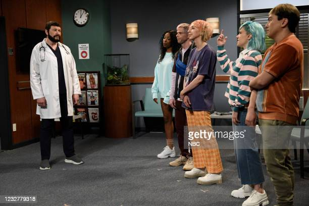 "Elon Musk"" Episode 1803 -- Pictured: Host Elon Musk, Ego Nwodim, Mikey Day, Heidi Gardner, Kate McKinnon, and Bowen Yang during the ""Gen Z Hospital""..."
