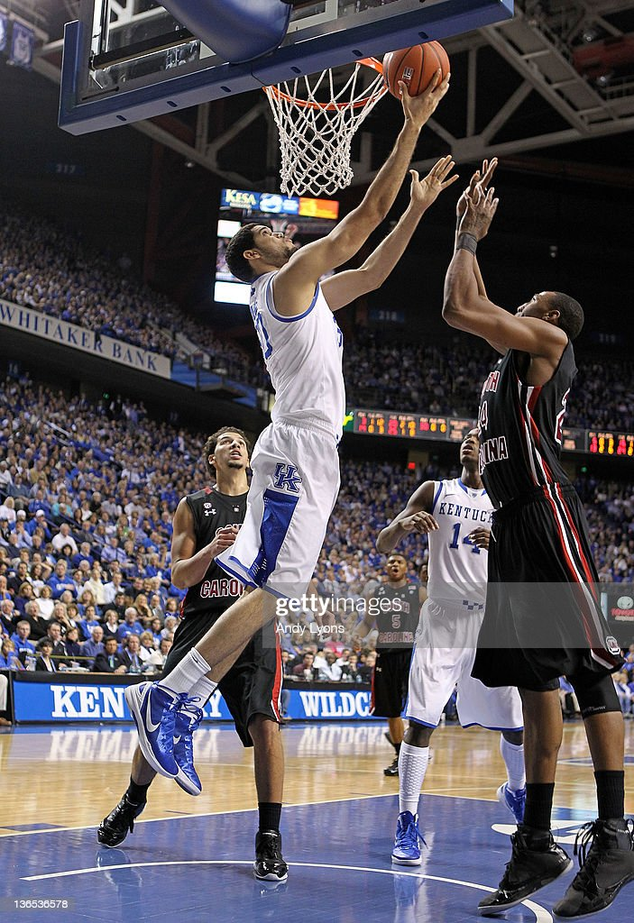 Eloy Vargas Of The Kentucky Wildcats Shoots The Ball During