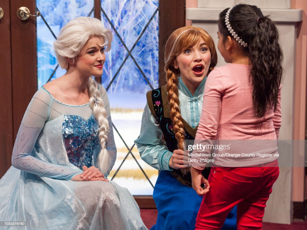 Orange county register archive pictures getty images elsa and anna meet and greet children in their new location at disneys california adventure after m4hsunfo