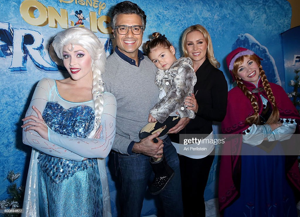 Disney On Ice Presents Frozen Los Angeles Premiere : News Photo