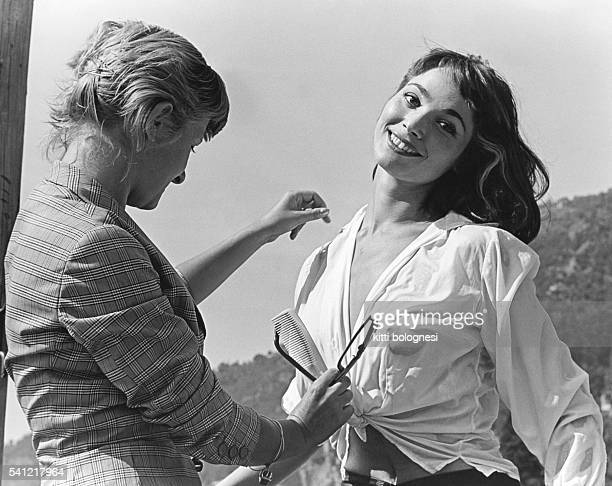"""Elsa Martinelli during a cover shoot for the Italian weekly magazine """"Le Ore""""."""