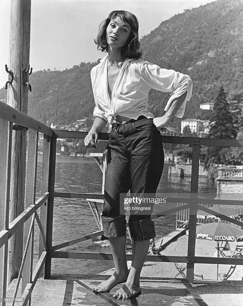 elsa martinelli during a cover shoot for the italian weekly magazine