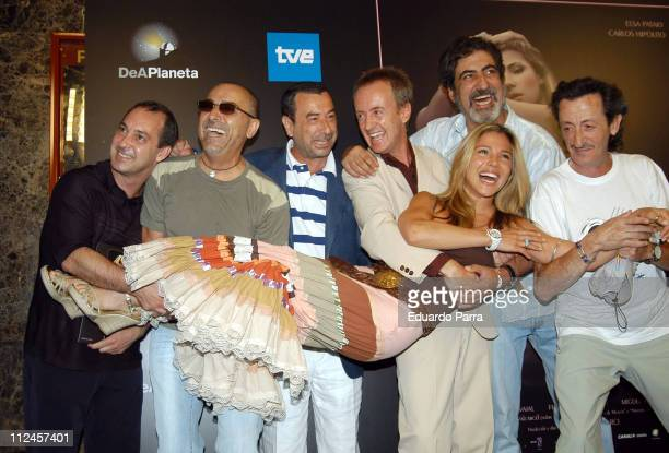 Elsa Pataky and the cast of 'Ninette' during 'Ninette' Madrid Photocall at Madrid in Madrid Spain
