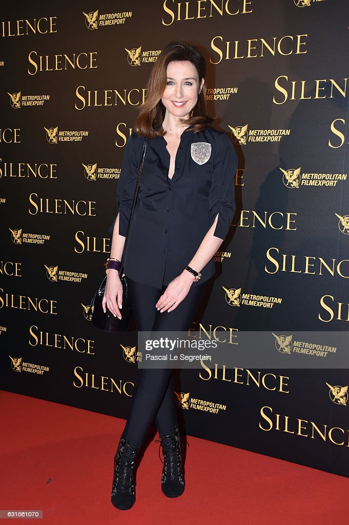 Elsa Zylberstein attends 'Silence' Premiere at Musee National Des Arts Asiatiques - Guimet on January 12, 2017 in Paris, France.