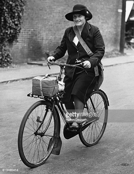 Elsie M Holdsworth a postwoman at work on her round in Harpendon during the Second World War She also served in the same role during the 19141918 war...