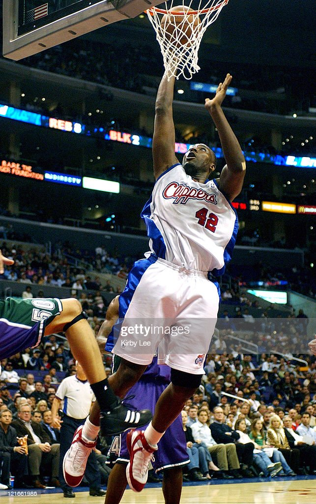 Milwaukee Bucks vs. Los Angeles Clippers - March 23, 2005