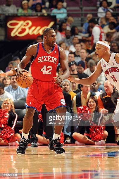 Elton Brand of the Philadelphia 76ers handles the ball against Charlie Villanueva of the Detroit Pistons during the game on November 8 2009 at The...