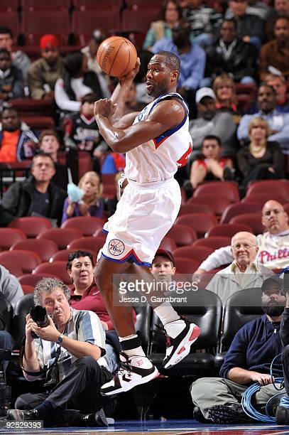 Elton Brand of the Philadelphia 76ers passes during the preseason game against the Washington Wizards at Wachovia Center on October 20 2009 in...