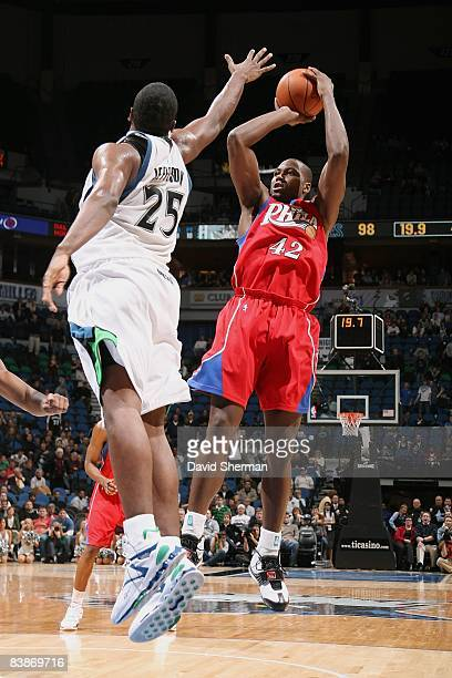 Elton Brand of the Philadelphia 76ers shoots a jumper over Al Jefferson of the Minnesota Timberwolves during the game on November 19 2008 at the...
