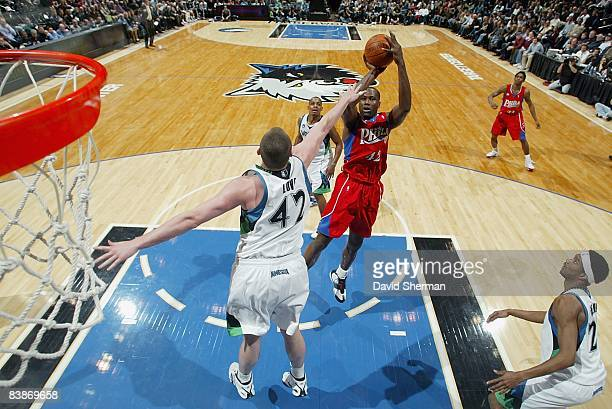 Elton Brand of the Philadelphia 76ers shoots a jumper over Kevin Love of the Minnesota Timberwolves during the game on November 19 2008 at the Target...