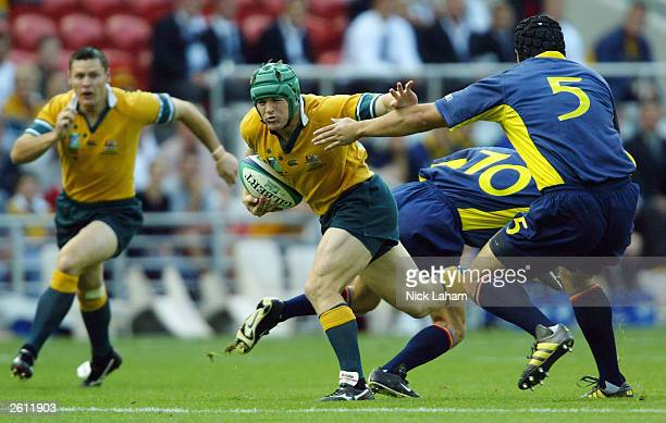 Elton Flatley of Australia in action during the Rugby World Cup Pool A match between Australia and Romania at Suncorp Stadium October 18 2003 in...