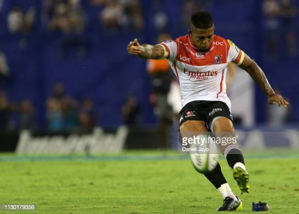 Elton Jantjies of Lions attempts a conversion during the Super Rugby Rd 1 match between Jaguares and Lions at Jose Amalfitani Stadium on February 16...