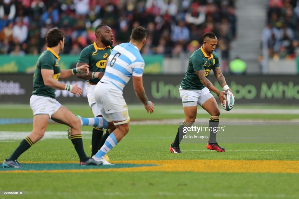Elton Jantjies of South Africa attempts a drop goal during the Rugby Championship match between South Africa and Argentina at Nelson Mandela Bay Stadium on August 19, 2017 in Port Elizabeth, South Africa.