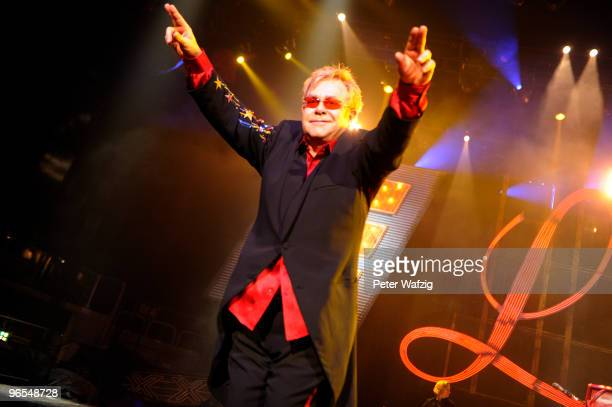 Elton John performs on stage at the ISSDome on October 15 2009 in Duesseldorf Germany