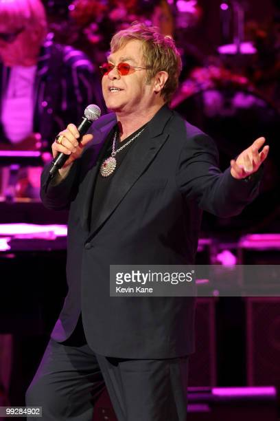 Elton John performs on stage during the Almay concert to celebrate the Rainforest Fund's 21st birthday at Carnegie Hall on May 13 2010 in New York...