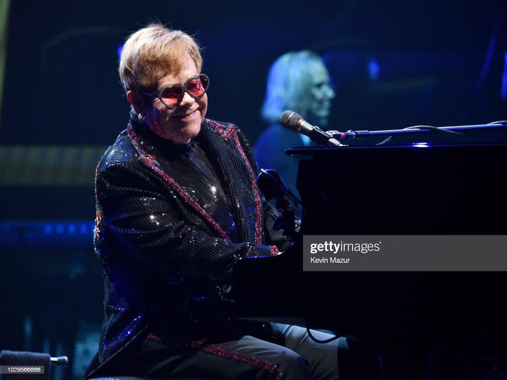 """Elton John """"Farewell Yellow Brick Road"""" Tour Opener - Allentown : News Photo"""