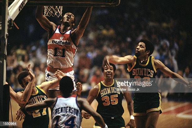 Elvin Hayes of the Washington Bullets goes up for a dunk during the the NBA Championship against the Seattle SuperSonics The Bullets won 105 to 99 in...