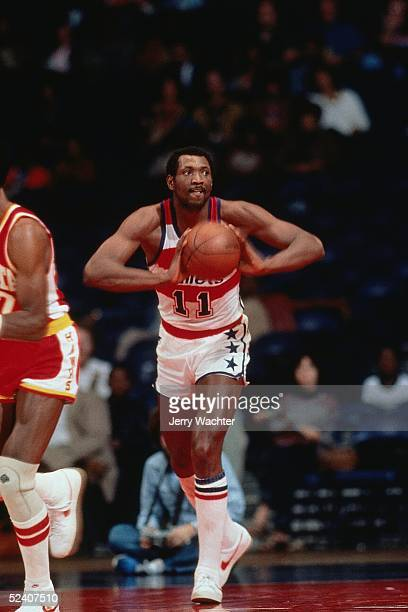 Elvin Hayes of the Washington Bullets passes during the game against the Atlanta Hawks circa 1979 at the Capital Centre in Washington DC NOTE TO USER...