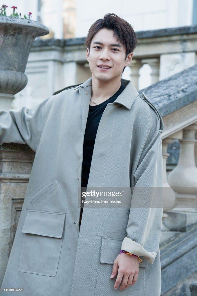 Sean Suen : Outside Arrivals - Paris Fashion Week - Menswear Spring/Summer 2019