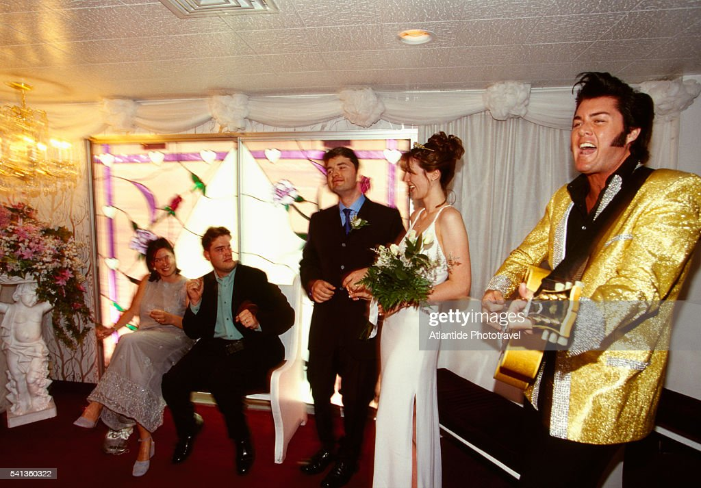 Elvis Impersonator At Wedding In The Little White Chapel Stock Photo