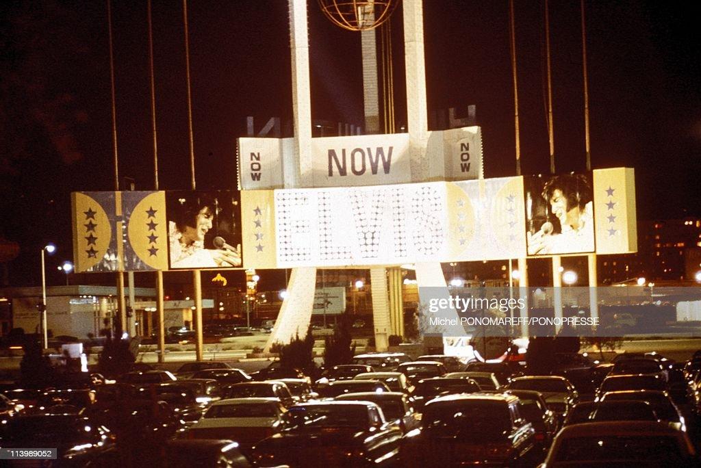 Elvis Presley in Concert In Las Vegas, United States In 1972- : Fotografia de notícias