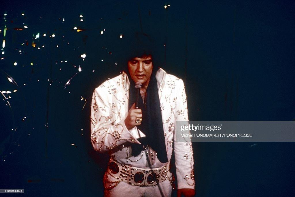 Elvis Presley on stage In Las Vegas, United States In 1972- : News Photo