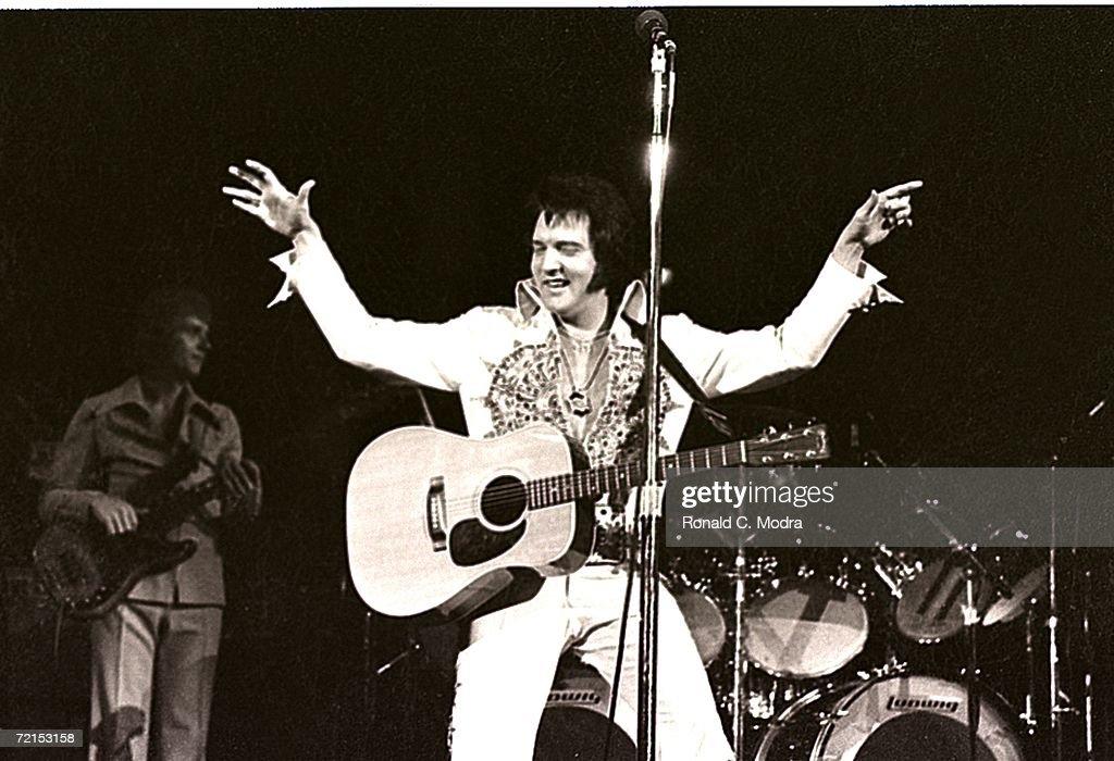 Elvis Presley... : News Photo