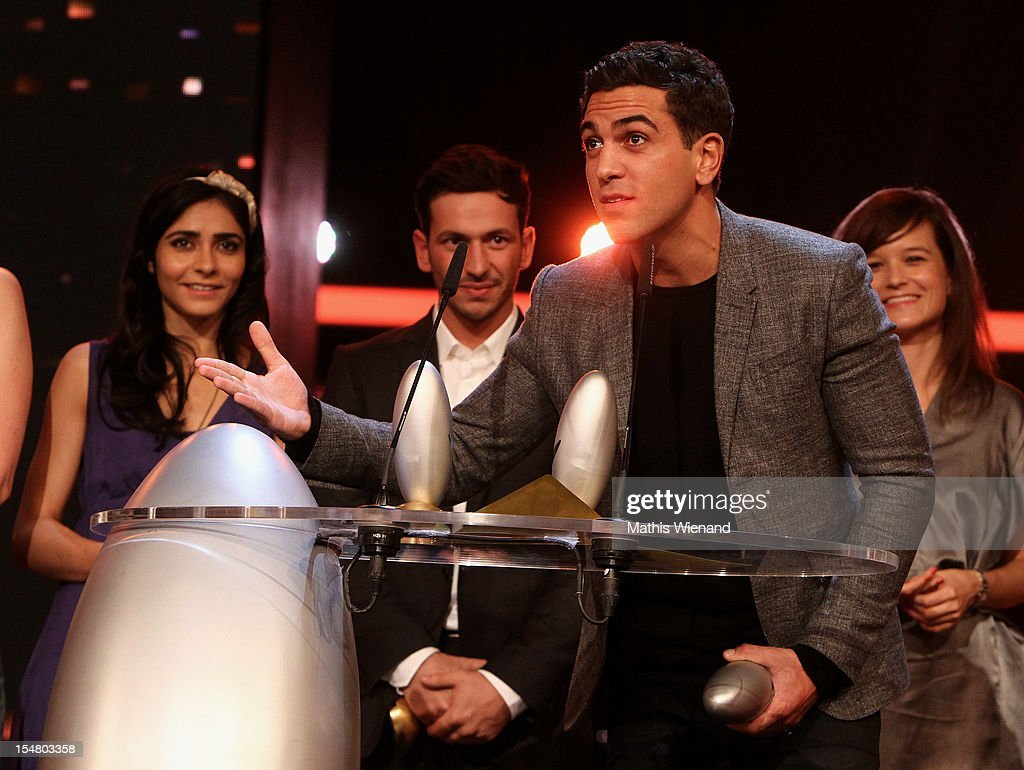 Elyas M Barek poses with the award during the '16. Annual German Comedy Award' on October 23, 2012 in Cologne, Germany.