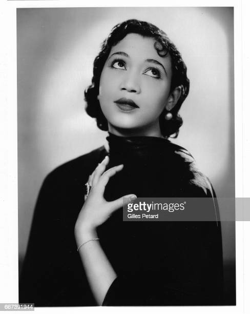 Elysabeth Welch studio portrait London 1935