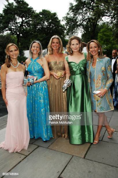 Elyssa Kellerman Alison Morrow Ann Unterberg Allison Stern and Stephanie Clark attend the Wildlife Conservation Society's Central Park Zoo '09 Gala...