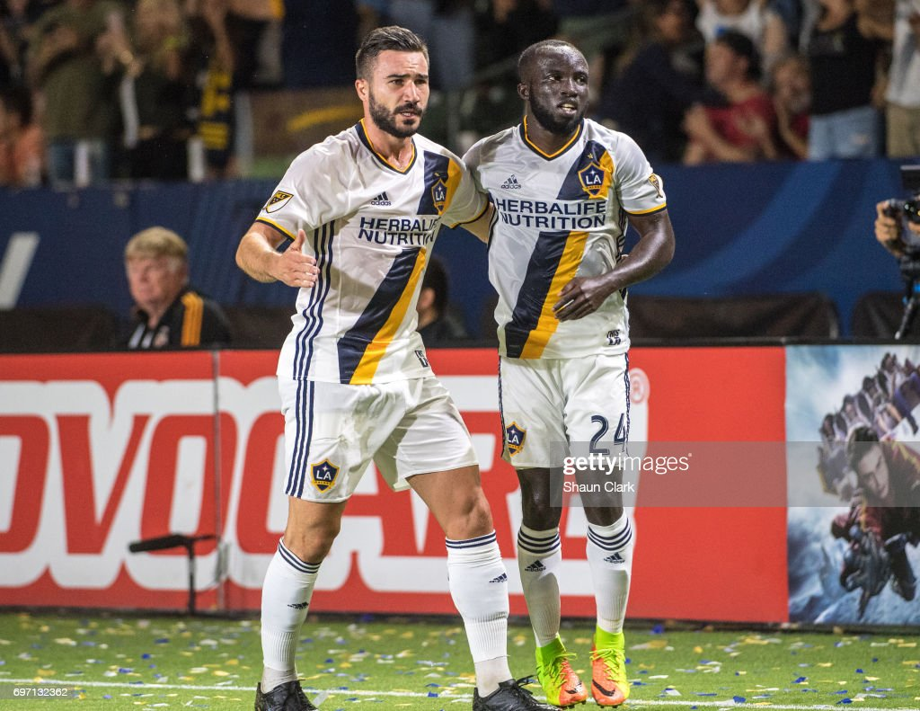 MLS Soccer - Los Angeles Galaxy v Houston Dynamo : News Photo