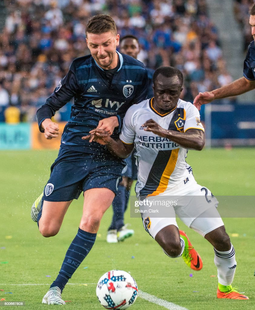Sporting Kansas City   v Los Angeles Galaxy