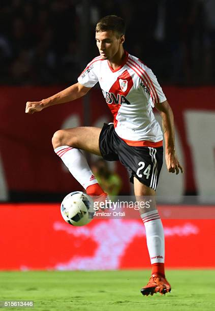 Emanuel Mammana of River Plate controls the ball during a match between Colon and River Plate as part of Torneo de Transicion 2016 at Brigadier Lopez...