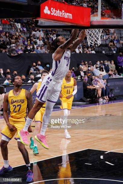 Emanuel Terry of the Sacramento Kings dunks the ball against the Los Angeles Lakers during the 2021 California Classic Summer League on August 4,...