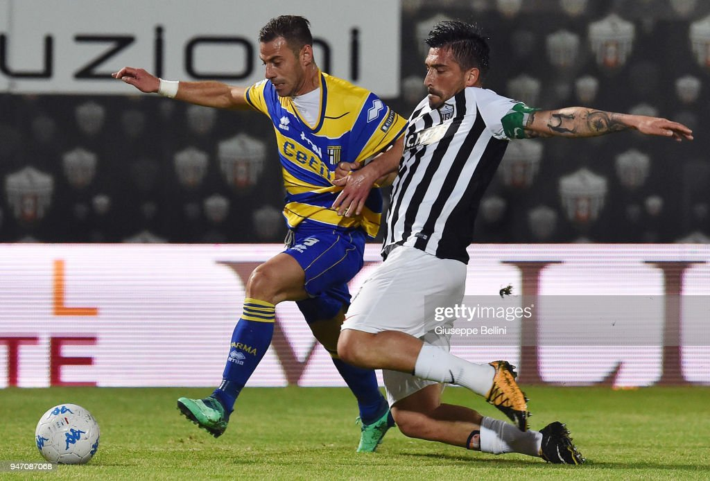 Emanuele Calaio' of Parma Calcio and Andrea Mengoni of Ascoli Pichhio in action during the match between Ascoli Picchio and Parma Calcio at Stadio Cino e Lillo Del Duca on April 16, 2018 in Ascoli Piceno, Italy.