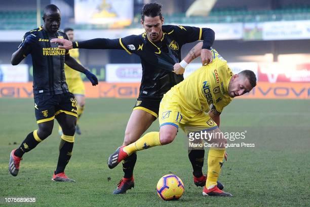 Emanuele Giaccherini of Chievo Verona in action during the Serie A match between Chievo Verona and Frosinone Calcio at Stadio Marc'Antonio Bentegodi...
