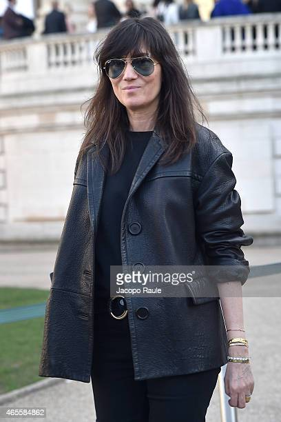 Emanuelle Alt arrives at Chloe Fashion Show during Paris Fashion Week Fall Winter 2015/2016 on March 8 2015 in Paris France