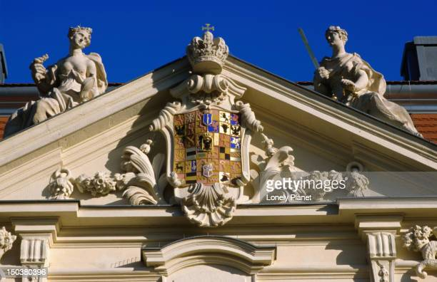 emblem above entrance to berlin museum, through which jewish museum is entered, kreuzberg. - jewish museum stock pictures, royalty-free photos & images