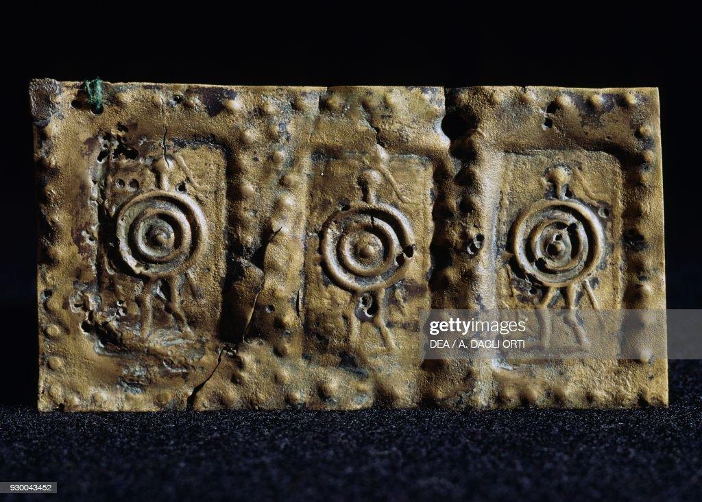 Embossed copper sheet, Vicenza, Veneto : Nachrichtenfoto
