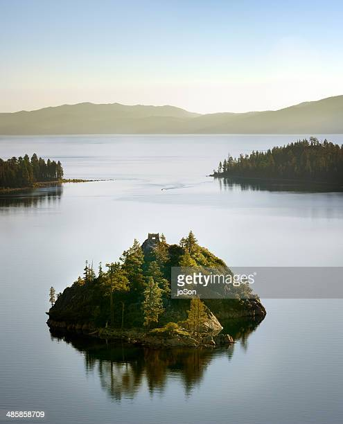 emeral bay, lake tahoe - emerald bay lake tahoe stock pictures, royalty-free photos & images